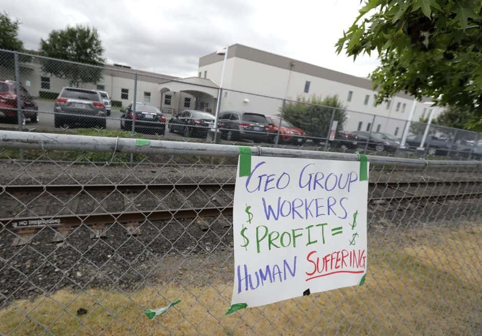 Despite outrage over immigrant detention, private prisons