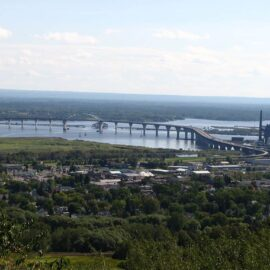 The Bong Memorial Bridge between Minnesota and Wisconsin.